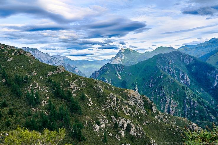 Mountains in the way to Bandujo, Asturias